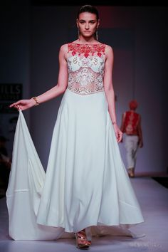 Delhi Style Blog: Charu Parashar SS 2014 WIFW A Persian Dream