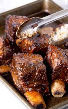 Slow Cooker BBQ Short Ribs Recipe for Slow Cooker BBQ Short Ribs - These babies are so good there won't be leftovers! A little bit sweet with just the right amount of mustardy zest. If you're feeding a big crowd, double or triple the recipe. Slow Cooker Short Ribs, Pork Short Ribs, Pork Ribs, Beef Short Ribs Crockpot Recipe, Bbq Beef Ribs, Braised Short Ribs, Slow Cooking, Slow Cooked Meals, Crock Pot Slow Cooker