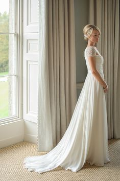 Reem Acra Elegance and Black Tie Glamour at Babington House The Bride Modest Wedding Dresses, Dresses Uk, Wedding Gowns, Dream Dress, I Dress, Wedding Wishes, Wedding Bells, Beautiful Gowns, House Beautiful