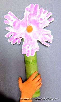 Hand Flower Sculptures via http://itsazooatthezoo.blogspot.com/2014/06/project-hand-flower-sculptures.html