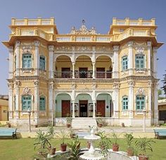 Houses/ Haweli | Koolwal Haveli In Nawalgarh Exotic Homes, Villa Design,  Courtyard House