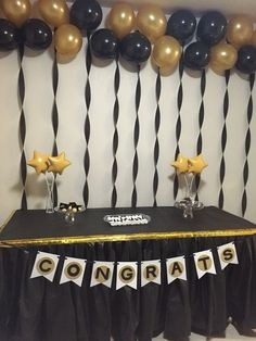 Ideas for dollar tree diy table center pieces - Graduation pictures,high school Graduation,Graduation party ideas,Graduation balloons Grad Party Decorations, Graduation Party Centerpieces, Graduation Party Planning, College Graduation Parties, Graduation Party Decor, Grad Parties, Graduation Ideas, Trunk Party, 18th Birthday Party
