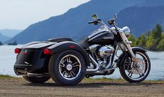2015 Harley-Davidson® Trike Freewheeler™ Reminds us of the old Service Cart!  If you can step out and look at it from a different view, it's a pretty cool machine that would be fun to ride!  A new Service Shop Bike? Could be!!