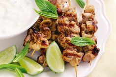 Soak skewers in water for 6 hours if you are using bamboo. Mix all the marinade ingredients together and marinate the pieces of chicken in the mix. Thread the chicken onto skewers. Cashew Chicken, Lemon Chicken, Kebab Recipes, Grilling Recipes, Traeger Recipes, Grilling Ideas, Grilled Shrimp Recipes, Chicken Recipes, Mint Chicken Recipe