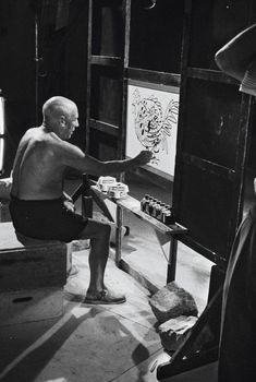 Pablo Picasso in his studio Pablo Picasso, Art Picasso, Picasso Paintings, Oil Paintings, Landscape Paintings, Pierre Bonnard, Famous Artists, Great Artists, Picasso Pictures