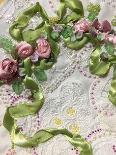 great way to cover up a stain ! Ribbon Quilt, Ribbon Art, Ribbon Crafts, Ribbon Flower, Diy Crafts, Ribbon Embroidery Tutorial, Fabric Embellishment, Silk Ribbon Embroidery, Embellishments