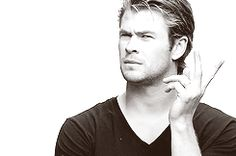 Chris Hemsworth doing impressions of The Avengers. (gifs)    hahah! I like how he has 2 Loki impressions