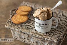 Helado de galletas María. Receta http://www.directoalpaladar.com/postres/helado-de-galletas-maria-receta