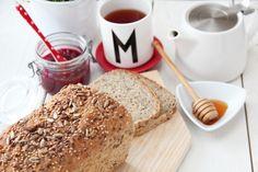 Femkornbrød by Trine ;) on januar 2013 i brød, grovbrød Bread Rolls, Food And Drink, Cooking Recipes, Baking, Rolls, Cooker Recipes, Buns, Chef Recipes, Bakken