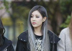 Most popular tags for this image include: hair, grey, kpop, t-ara and qri