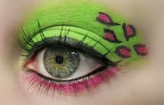 Animal print colorido na maquiagem.