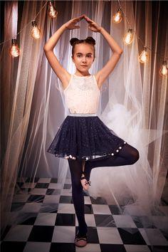 ¡Dale paso a un #FantasyWorld 💜🦄  con los looks mágicos de nuestra #HalloweenCollection 🎃! #FantasyWorld  #HalloweenSTUDIOF  #GirlBySTUDIOF  #FantasyWorldbySTUDIOF #HalloweenCollection  Blusa Ref. K170940 Falda Ref. K030154 Calzado Ref. K370005 Fantasy World, Tulle, Ballet Skirt, Skirts, Fashion, Vestidos, Blouse, Pants, Footwear