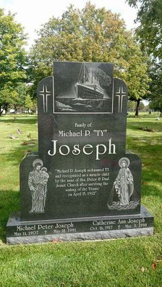 A grave for a child who survived the Titanic. Near where my Grandma is buried. Cemetery Headstones, Old Cemeteries, Cemetery Art, Graveyards, Headstones For Graves, Cemetery Statues, Titanic Ship, Rms Titanic, Titanic Boat