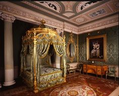 Chippendale designed this magnificent state bed at Harewood House. (It was found in the Harewood attics in the and restored at the cost of several hundred thousand dollars. Baroque Bedroom, Wentworth Woodhouse, Harewood House, Damask Decor, Georgian Furniture, Rococo Furniture, Custom Drapes, Interior Decorating, Interior Design