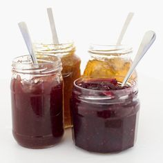 Homemade jams: too liquid, thick, sweet . The unstoppable tips to catch a jam missed Wine Jelly, Jam And Jelly, New Dessert Recipe, Jelly Cake, Fruit Preserves, Gourmet Gifts, Fruit In Season, Cooking Time, Sweet Recipes