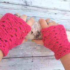 Free crochet pattern: Rockskipper Wristers by Sweet Potato Crochet Creations #HolidayStashdownCAL2016