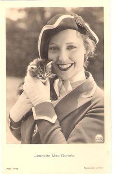 Jeanette MacDonald (postcard)