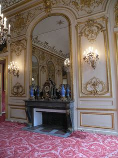 Fireplace in the grand salon of the Petit #Luxembourg palace, Paris. designed by Germain Boffrand,  1709-1716. #rococo