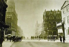 10470791_541541155957567_7792983677673713635_n.jpg (789×542)Ray HutcheonSunderland In Pictures This photo showing Mackies corner and the elephant buildings must be old, cant see any tram lines.