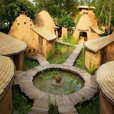 2014 Natural Building – One Month Combined Super Adobe Earth Bag Dome Project & Permaculture Design Certification (PDC) Maison Earthship, Earthship Home, Cob Building, Green Building, Eco Construction, Earth Bag Homes, Mud House, Natural Homes, Dome House