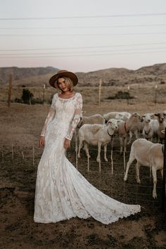 Are you a bride into boho and vintage-inspired styling? Willow is for you! Highlight your curves with the figure-hugging silhouette and construction. Western Wedding Dresses, Boho Wedding Dress, Mermaid Wedding, Wedding Gowns, Lace Wedding, Wedding Garter, Forest Wedding, Woodland Wedding, Wedding Attire