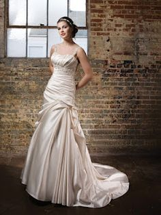 I will need your inputs guys on the kind of wedding dresses you like. I'll start with this one. I want to see what you would get. Might influence my choice hehehehe ? Anyways, it's going to be fun so...