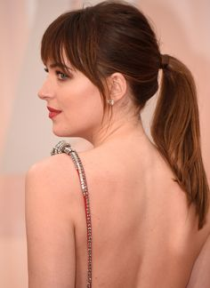 Die Beauty-Looks der Oscars / Beauty-News / Beauty / Vogue Short Hairstyles 2015, Short Layered Haircuts, Medium Bob Hairstyles, Work Hairstyles, Elegant Hairstyles, Celebrity Hairstyles, Hairstyles With Bangs, Pretty Hairstyles, Casual Hairstyles