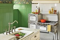 Love that old oven.