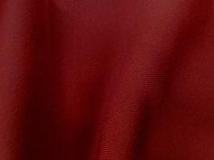 Neoprene (Nirvana). Malha neoprene com toque suave e boa elasticidade. Excelente para peças de inverno ou de verão, pois ela se ajusta à temperatura do corpo.  Sugestão para confeccionar: Vestidos, calças, leggings, shorts, saias, entre outros.