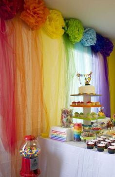 An adorable rainbow art party! Love the pom poms and tulle!: An adorable rainbow art party! Love the pompons and the tulle! Wiggles Birthday, Wiggles Party, Trolls Birthday Party, Troll Party, Rainbow Birthday Party, Rainbow Wedding, Unicorn Birthday Parties, Unicorn Party, Birthday Party Decorations