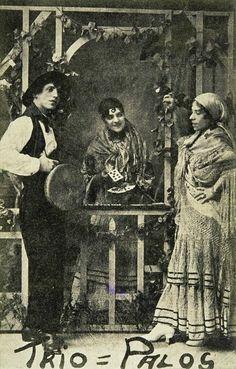 Gypsy Saying Image: Trío Palos Cartomancia, 1910. Biblioteca Nacional de España