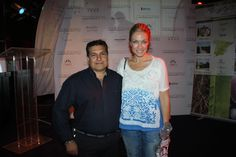 José Luis González, Director de Denueveanueve peluquerías, junto a la presentadora Almudena del Pozo