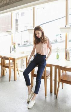 I like this style … simple casual outfits, casual korean outfits, korean fashion school Korean Fashion School, Korean Fashion Kpop, Korean Fashion Trends, Korean Street Fashion, Asian Fashion, Trendy Fashion, Fashion Models, K Fashion Casual, Korean Casual Outfits
