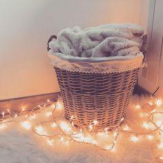 Bonne soirée choupettes d'@instagram ! Après une bonne journée en amoureux nous attendons les copains pour une petite soirée tranquille à la maison. Fête foraine et défilé de chars annulé car . #deco #cocon #cocooning #doux #plaid #action #guirlande #decor #designer #art #homedecor #color #wallpaper #collection #wallcovering #decoration #design #home #instagood #homedesign #instamood #instagram #style #deco #decontract #relax #mirrors #bedroom #decorating #interiorandhome by plume.rose…