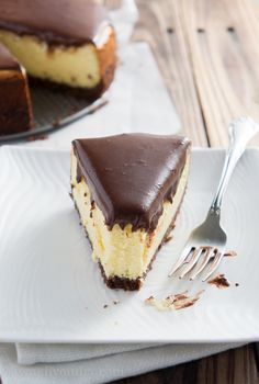 Nanaimo Cheesecake - All the goodness of the original Nanaimo Bar married with a cheesecake! This is such a delicious dessert, perfect for Holidays!