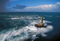 leuchttuerme-bretagne-phare-de-la-vieille-crtb.jpg (800×542)