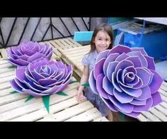 How to Make a Giant Flower From Yoga Mats