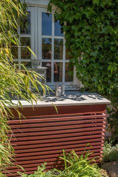Ateljé Harmoni och Glädje — Almbacken Trädgårdsdesign B & B, Outdoor Furniture, Outdoor Decor, Ottoman, Home Decor, Interior Design, Home Interior Design, Yard Furniture, Garden Furniture