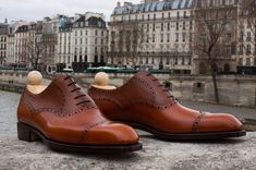 """LASZLO VASS OLD ENGLISH II Balmoral oxford perforated (Special pattern made exclusively for MTO Paris). I have selected the """"cognac scotch grain"""" calf for the upper part and the cognac calf for the rest of the shoe. Lasted on the """"K last"""" with a distinctive V-shape cap-toe. Versatile in your wardrobe, the """"old english II"""" is an elegant shoe to wear in casual or semi-dress occasions."""