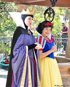 The Evil Queen and Snow White. (trying to figure out where the picture was taken.)
