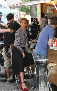 Uma Thurman and Bradley Cooper were filming Adam Jones in Portobello & Golborne recently. The 'set' looks uncannily like Golborne Road market's Moroccan Soup & Tagine Stand! Moroccan Soup, Adam Jones, Uma Thurman, West London, Bradley Cooper, Portobello, Actors, Fashion, Moda