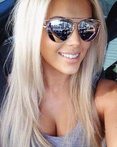 Love this blonde Beauté Blonde, Blonde Beauty, Platinum Blonde, Hair Beauty, Bright Blonde Hair, Blonde Color, Hair Color And Cut, Hair Colour, Gorgeous Hair
