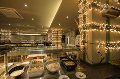 Restaurante Tabanka Resorts, Oasis, Table Settings, Table Decorations, Furniture, Home Decor, Morocco, Restaurants, Decoration Home