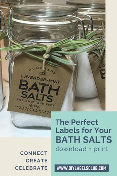 Sibyl Smith from DIY Labels Club has created the perfect label for your DIY lavender + mint bath salts jar, she suggests using twine to tie them around the glass containers and even adding a few sprigs of lavender for an extra touch. Once you've received the PDF, print them out on your favorite heavy paper or card stock, cut them out along the provided lines, and attach to your jar of bath salts. Simple, quick + easy. Diy Holiday Gifts, Teacher Christmas Gifts, Unique Christmas Gifts, Holiday Crafts, Diy Party Essentials, Diy Gifts For Mothers, Diy Body Butter, Glass Containers, Bath Salts