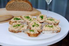 Pomazánka ze zbytků kuřete | Kitchen Table Salmon Burgers, Meat, Chicken, Ethnic Recipes, Cubs