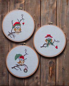 Cute little Xmas bird designs. Kawaii Cross Stitch, Cross Stitch Owl, Cross Stitch Cards, Beaded Cross Stitch, Crochet Cross, Modern Cross Stitch, Cross Stitching, Cross Stitch Embroidery, Cross Stitch Patterns