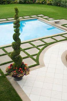 Love the geometric pattern of concrete pavers round the pool area #modernpoolarea