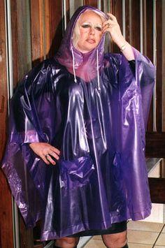 Rain coat Waterproof The North Face - - - Rain coat Outfit Street Style - Raincoat Outfit, Pvc Raincoat, Yellow Raincoat, Hooded Raincoat, Plastic Raincoat, Best Rain Jacket, Rain Jacket Women, Capes, Ponchos