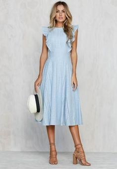 20 Stunning Spring Dresses Ideas You Can Copy Right Now - 20 Stunning Spring Dresses Ideas You Can Copy Right Now Source by magicrose - Cute Dress Outfits, Modest Outfits, Modest Fashion, Cute Dresses, Boho Fashion, Fashion Outfits, Fashion Fashion, Simple Dresses, Elegant Dresses