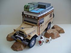 """Toyota """"LandCruising"""" BJ45 Troopy Land Cruiser paper model http://papercruiser.com/landcruising-troopy-completed/"""